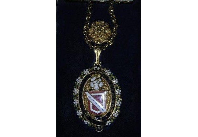 The Mayoress Chain